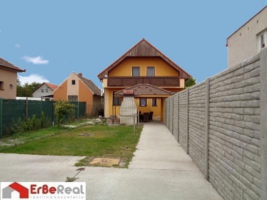 DS/Zlaté Klasy predaj novšieho RD v tichej časti obce