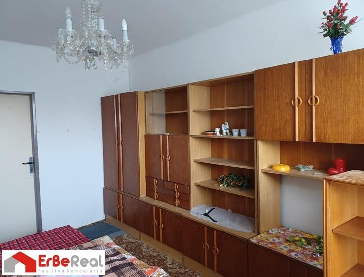 Predaj 3 izbového bytu v pôvodnom stave.